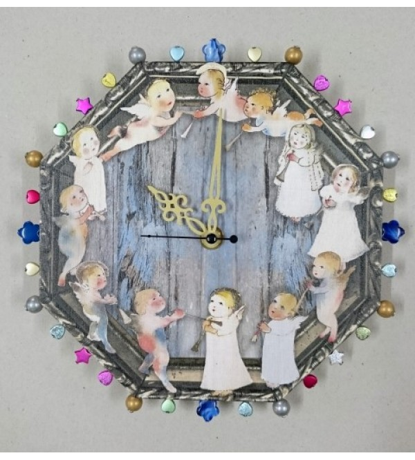 Clock with angels